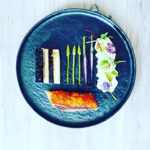 Toque comme un chef - Plat - Magret de canard, petits légumes et fleurs comestibles
